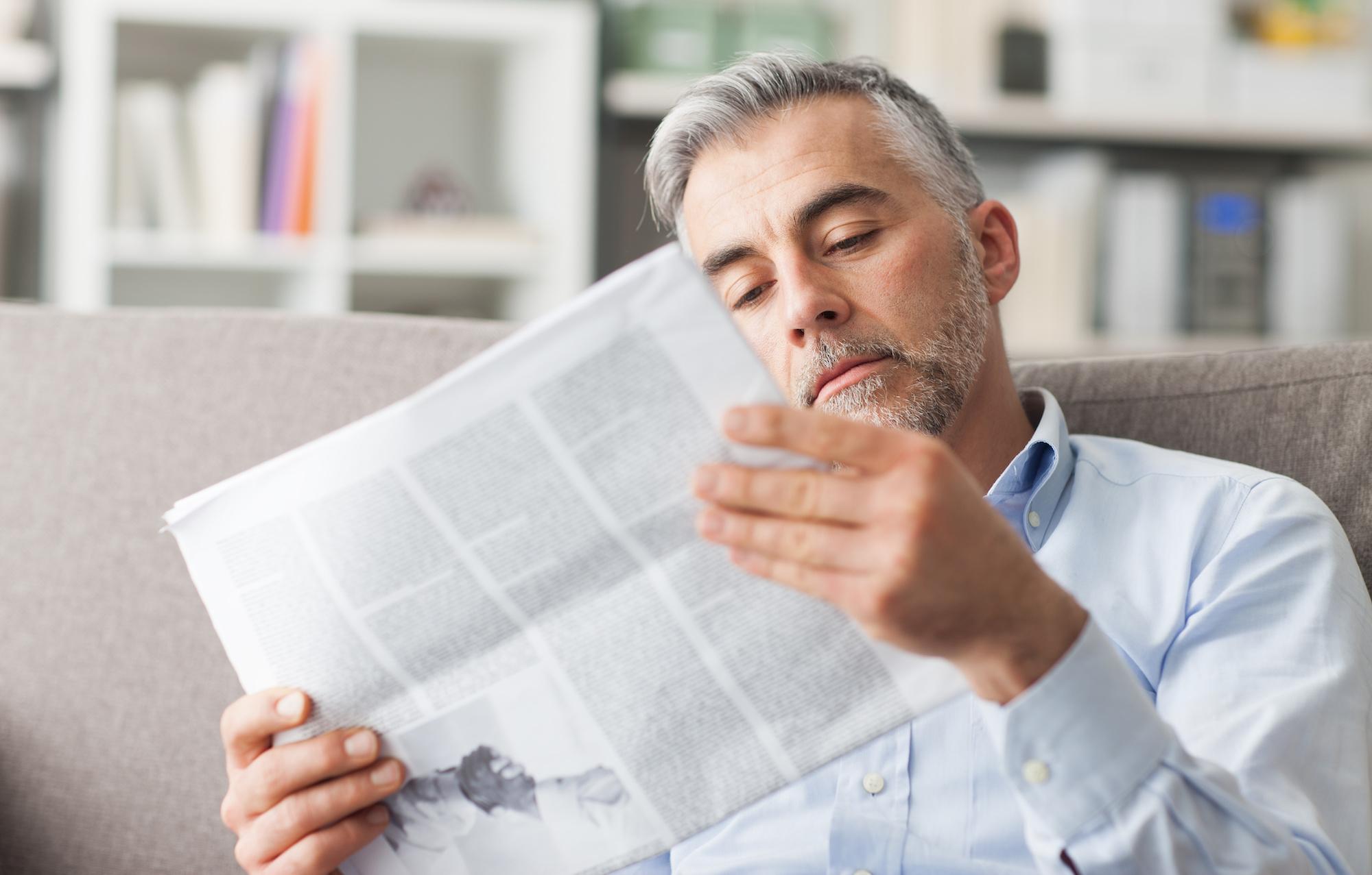 Maak je eigen pensioenkrant uitnodiging afscheidsfeest - Happiedays