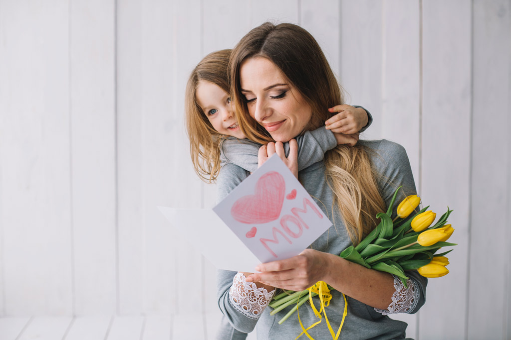 Make your own Mother's Day newspaper - Happiedays