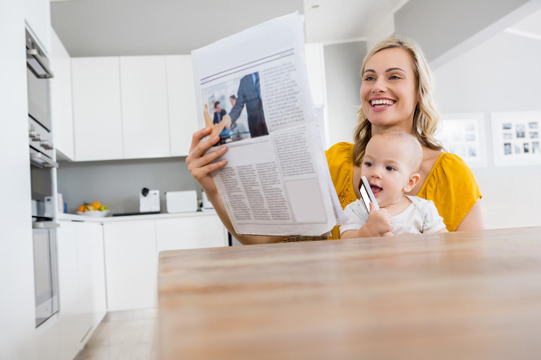 babyborrel uitnodiging krant